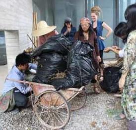 How much mulch can a wheelbarrow bear?